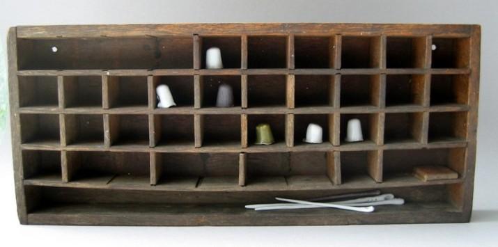 Elaine Bolt thimble box