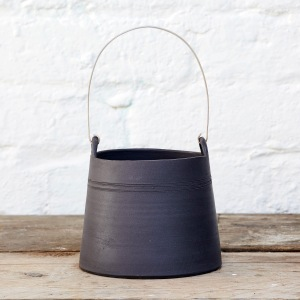 Flint Black wire vessel by Elaine Bolt (photography by Yeshen Venema)